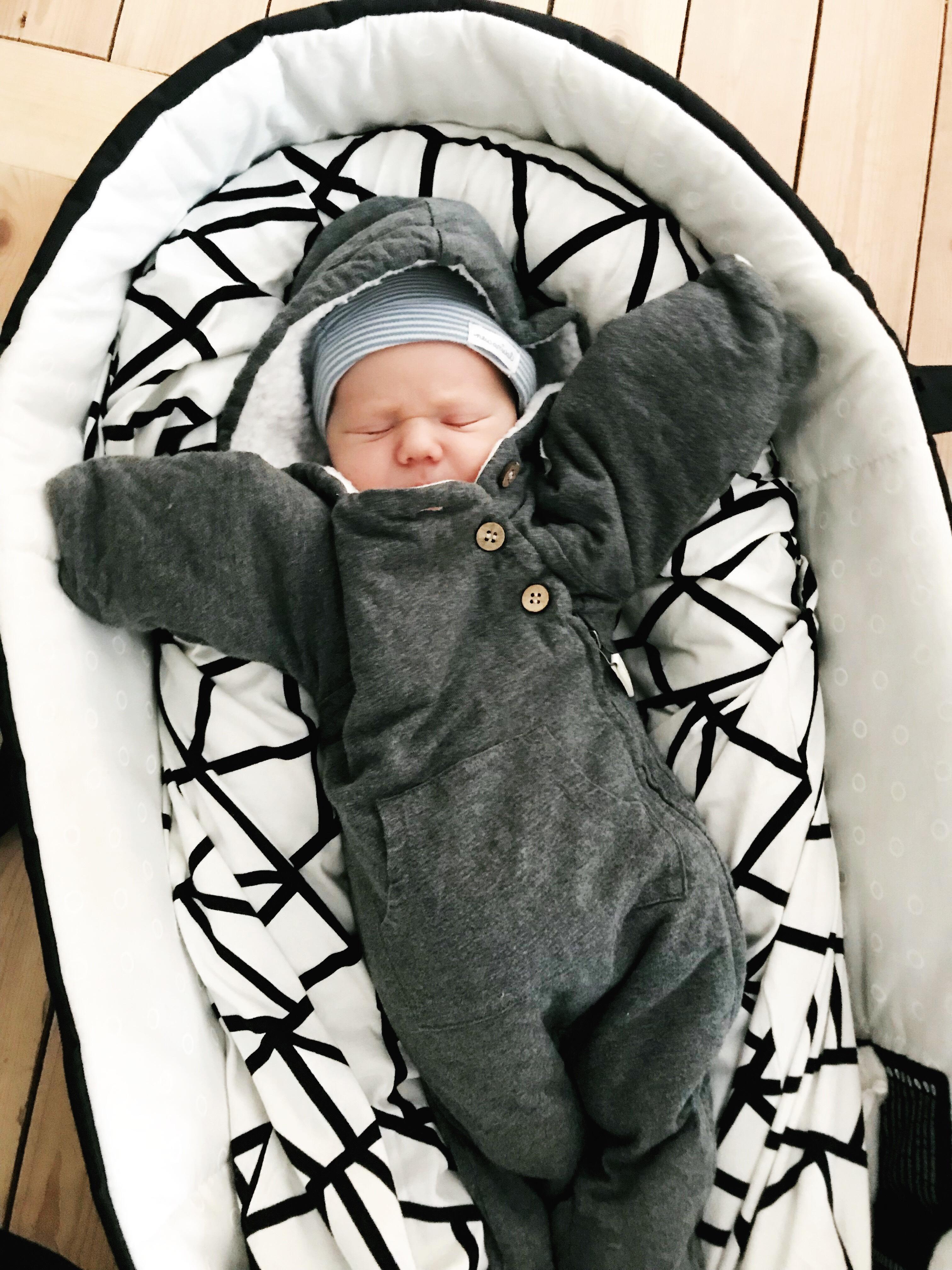 moodie barnkläder